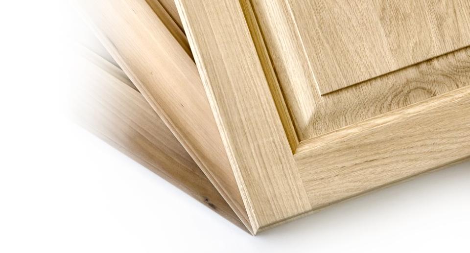 Porte massello per interni antine in legno per cucine salerno finmaster - Dipingere ante cucina in legno ...
