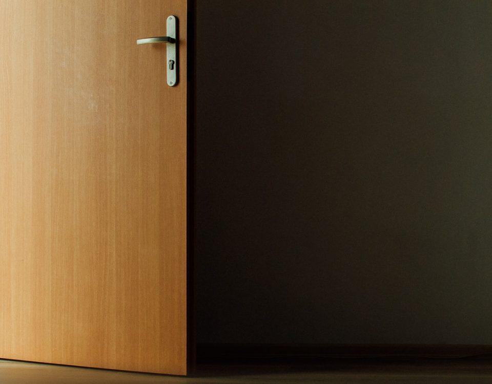 come pulire porte in laminato